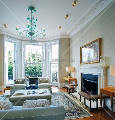 Traditional Living Room With Bay Window Green Glass