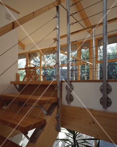 ausschnitt einer galerie mit treppe aus holz bild kaufen living4media. Black Bedroom Furniture Sets. Home Design Ideas