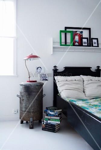 Industrie stil im schlafzimmer alter m lleimer als for Innendesigner schweiz