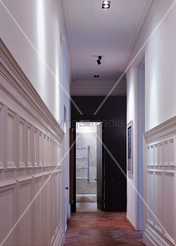 Narrow hallway with white painted half height wood  : 11023948 from www.living4media.com.tr size 357 x 500 jpeg 41kB