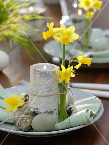 Tischdeko mit weizengras narzissen und birke bild for Tischdeko birke
