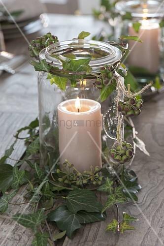einmachglas als windlicht mit ranken von hedera efeu bild kaufen living4media. Black Bedroom Furniture Sets. Home Design Ideas