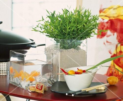asiatisch dekoriert zimmerbambus miniaquarium geschirr. Black Bedroom Furniture Sets. Home Design Ideas
