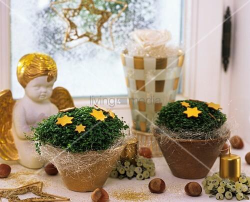 fensterbank weihnachtlich dekorieren fensterbank dekorieren winter deko mit kerzen freshouse. Black Bedroom Furniture Sets. Home Design Ideas
