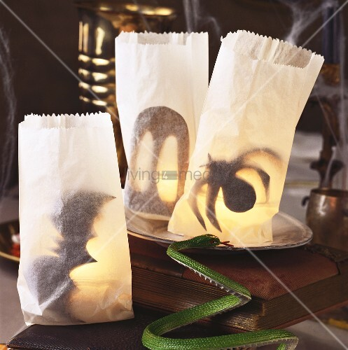 Paper Lanterns As Table Decorations For Harry Potter Party