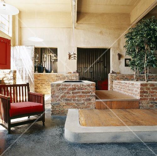 Ein hoher raum mit betondecke betonw nde und for Innendesigner wien
