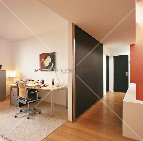 blick ins b ro bild kaufen living4media. Black Bedroom Furniture Sets. Home Design Ideas