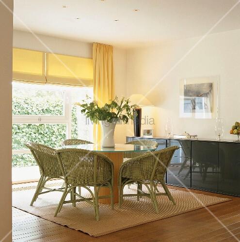 ein esszimmer bild kaufen living4media. Black Bedroom Furniture Sets. Home Design Ideas