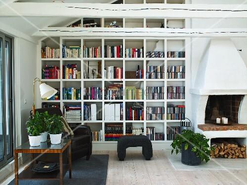 sky wohnzimmer umbau:wohnzimmer mit kamin heizen : Wohnzimmer mit Sitzecke, Kamin und