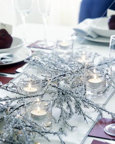 gedeckter tisch mit weihnachtsdeko bild kaufen. Black Bedroom Furniture Sets. Home Design Ideas