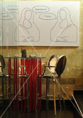 Designer bartisch mit roten f ssen und metall barhocker for Bartisch und barhocker