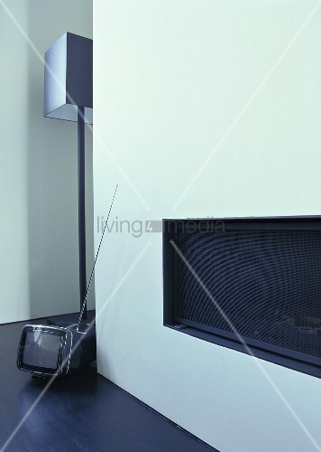 einbaukamin eine stehlampe von jen alkema und ein kleiner. Black Bedroom Furniture Sets. Home Design Ideas