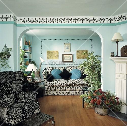 mediterraner wohnraum mit t rkis get nten w nden und. Black Bedroom Furniture Sets. Home Design Ideas