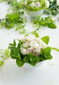 Florale Schale