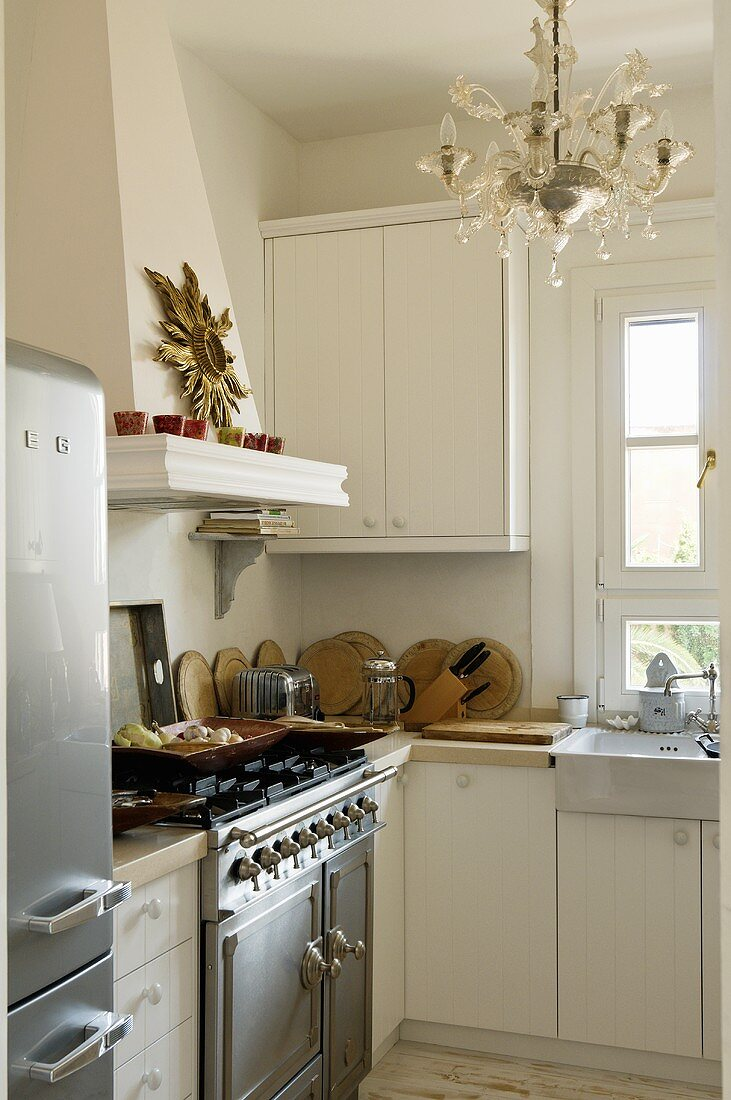 An Oven With A Stone Clad Extractor Fan Buy Image 707418 Living4media