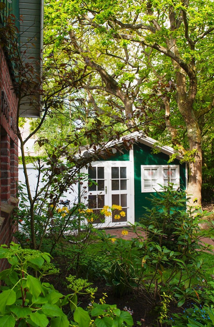Holiday home with garden