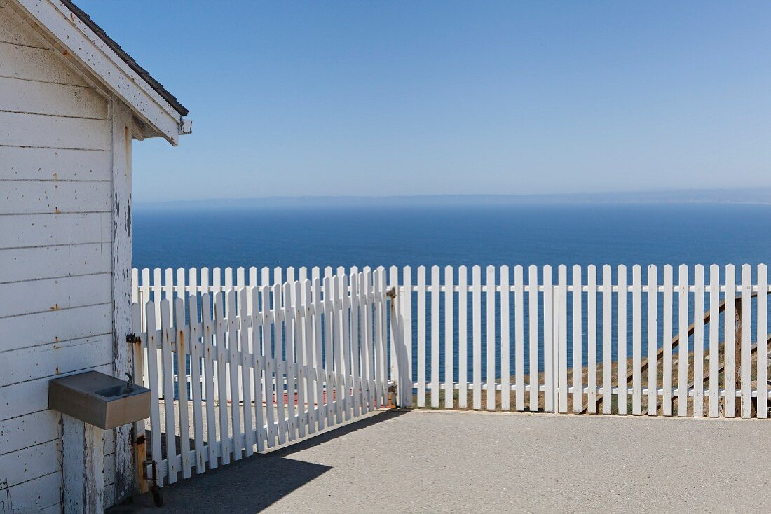 Point Reyes Lighthouse Visitor Center is next to the historic lighthouse, and provides views along the Point Reyes National Seashore