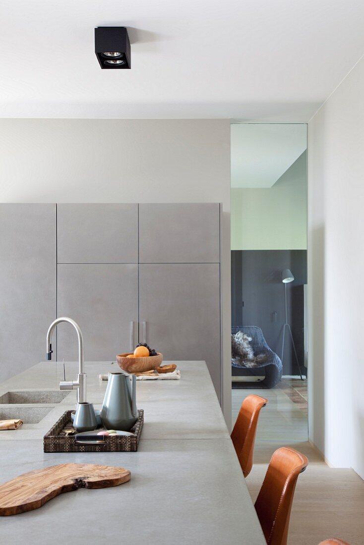 kücheninsel mit betonplatte und … - bild kaufen - 11430200