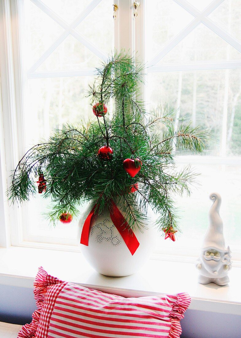 Red Christmas Baubles Hanging From Pine Buy Image 11294014 Living4media