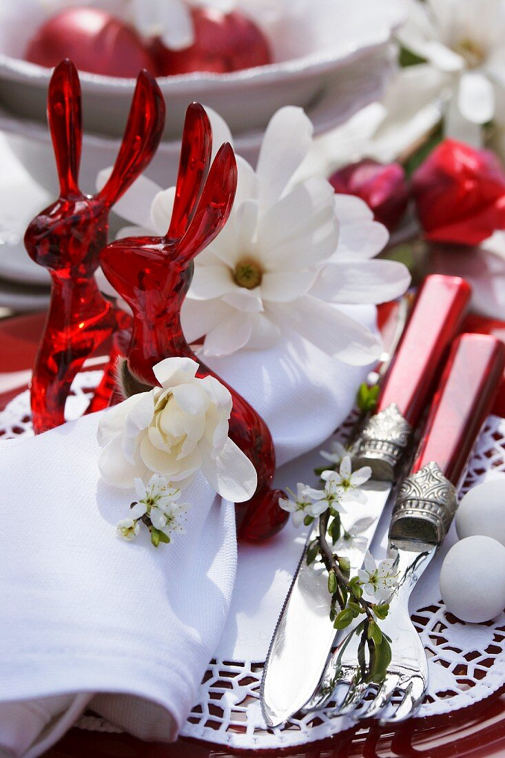 Easter Place Setting In Red And White Buy Image 11305632 Living4media