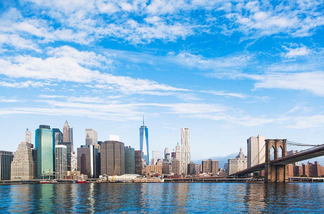 A view of Brooklyn Bridge and the Lower Manhattan skyline, New York, USA