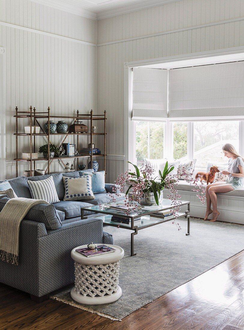 Sofa Coffee Table Pale Rug Woman Buy Image 11336876 Living4media