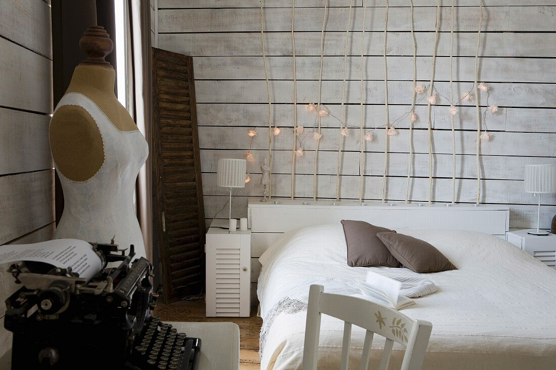 Simple Bed With Wooden Headboard Made Of Buy Image 11350936 Living4media