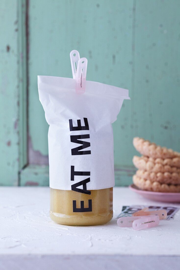 Eat me - lemon curd as a gift
