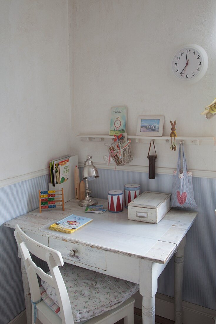Small Vintage Writing Desk In Child S Buy Image 11372770 Living4media