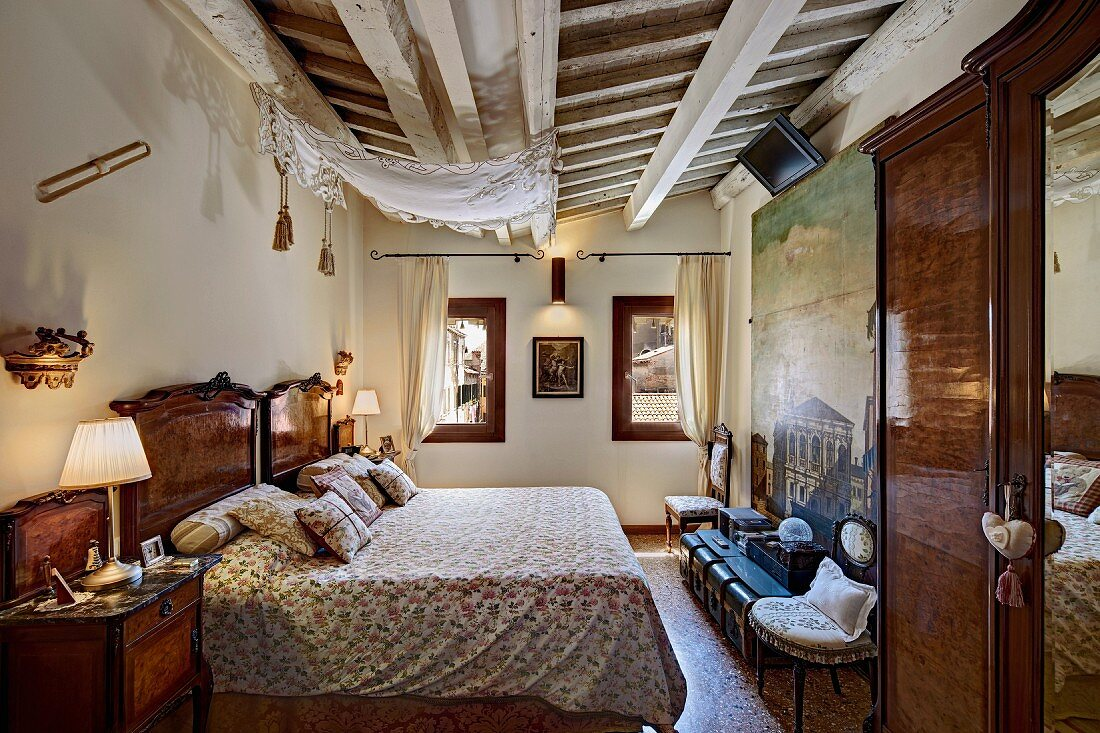 Traditional Bedroom With Rustic Buy Image 11394768 Living4media