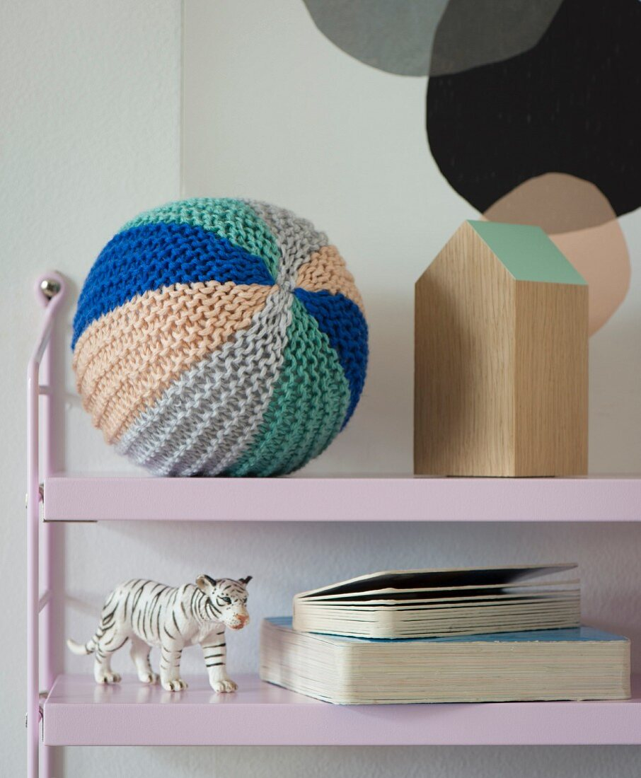 A knooked baby ball – knitting with a hook