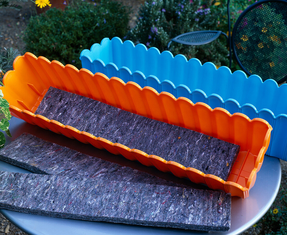 Irrigation mat for window boxes