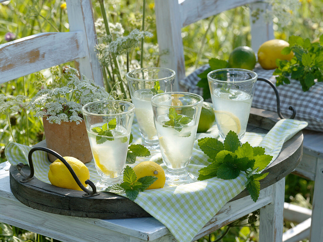 Glasses with lemonade
