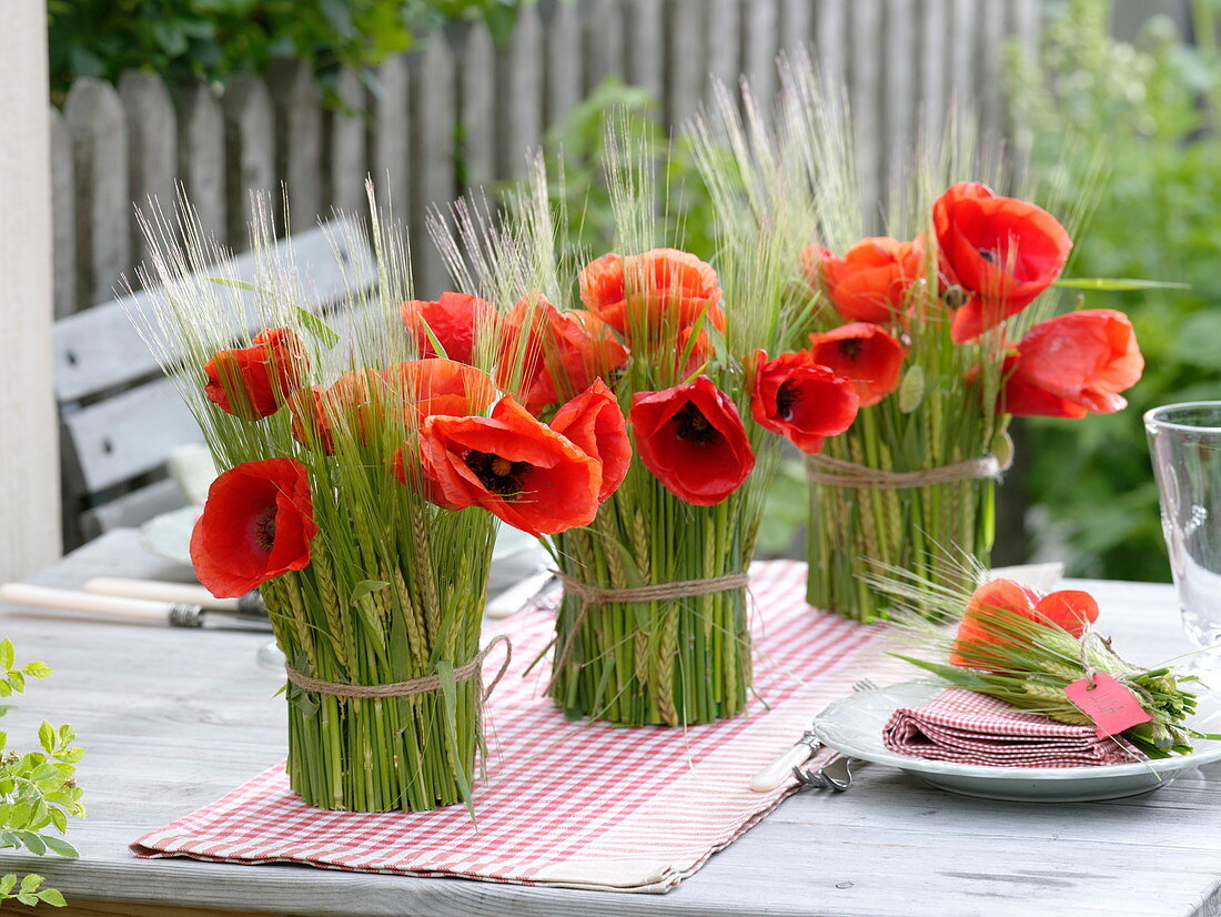 Barley sheathed glasses as vases