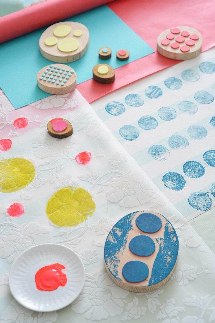 Circles of foam rubber stuck to wooden blocks for printing patterns