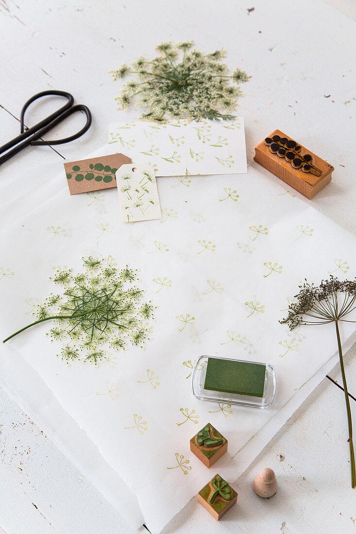 Wild carrot flowers used as printing block motif