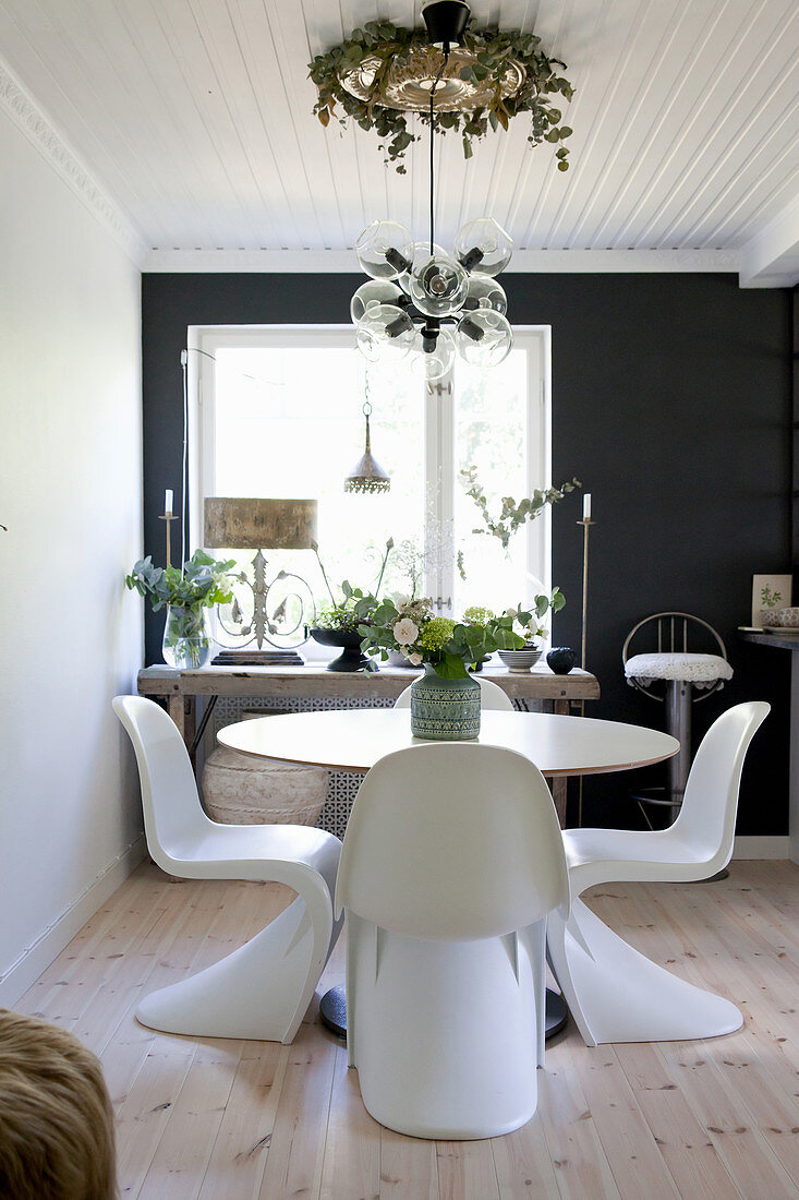 Designer Chairs At Round Table In Dining Buy Image 12460732 Living4media