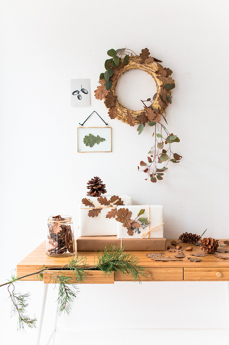 Autumn arrangement of oak leaves