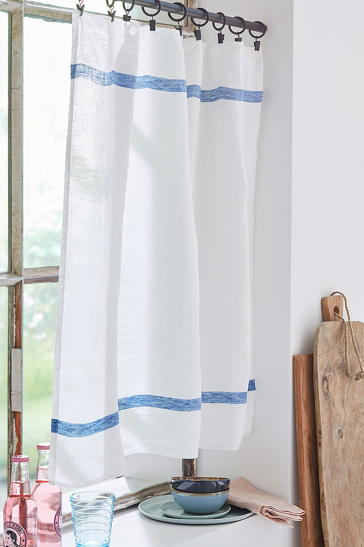 A half curtain made of linen