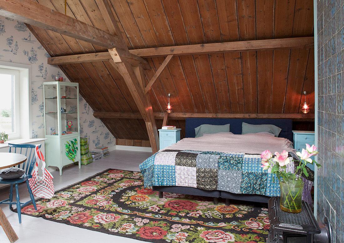 Schlafzimmer Unter Dem Dach In Einem Bild Kaufen 12534154 Living4media
