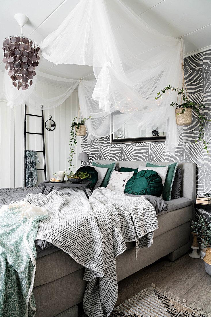 Gemutliches Schlafzimmer Im Urban Jungle Bild Kaufen 12577224 Living4media