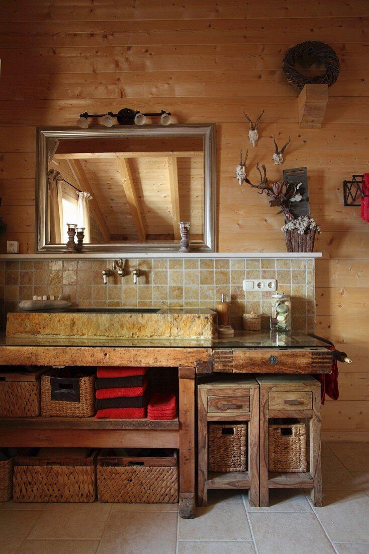 Rustikales Badezimmer mit … – Bild kaufen – 20 ❘ living20media