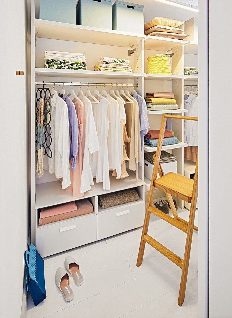 A wardrobe system for a bedroom