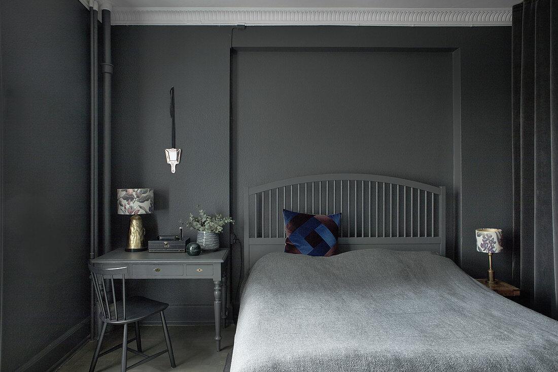 Schlafzimmer Ganz In Grau Und Schwarz Bild Kaufen 12369824 Living4media