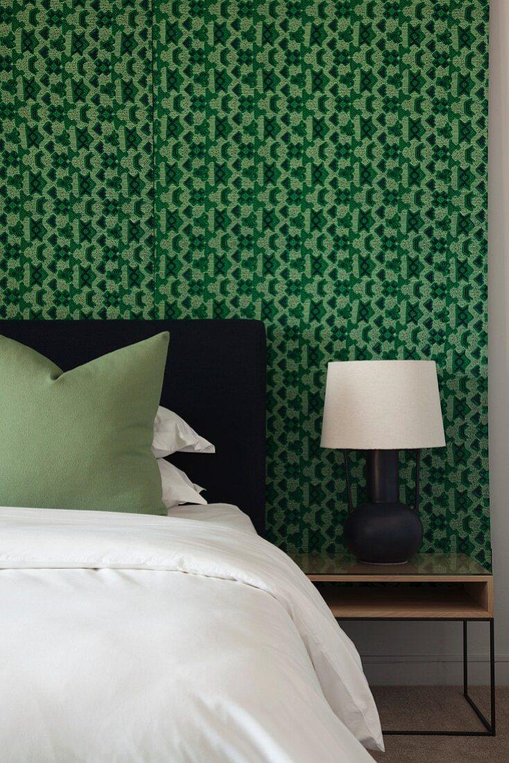 Schlafzimmer In Schwarz Weiss Und Grun Bild Kaufen 12382402 Living4media