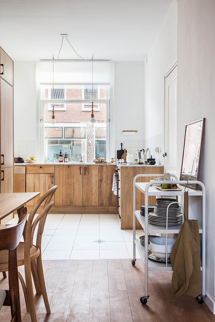 Kitchen-dining room in natural shades