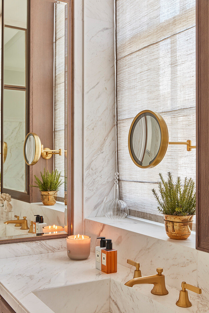 Marble cladding in luxurious bathroom