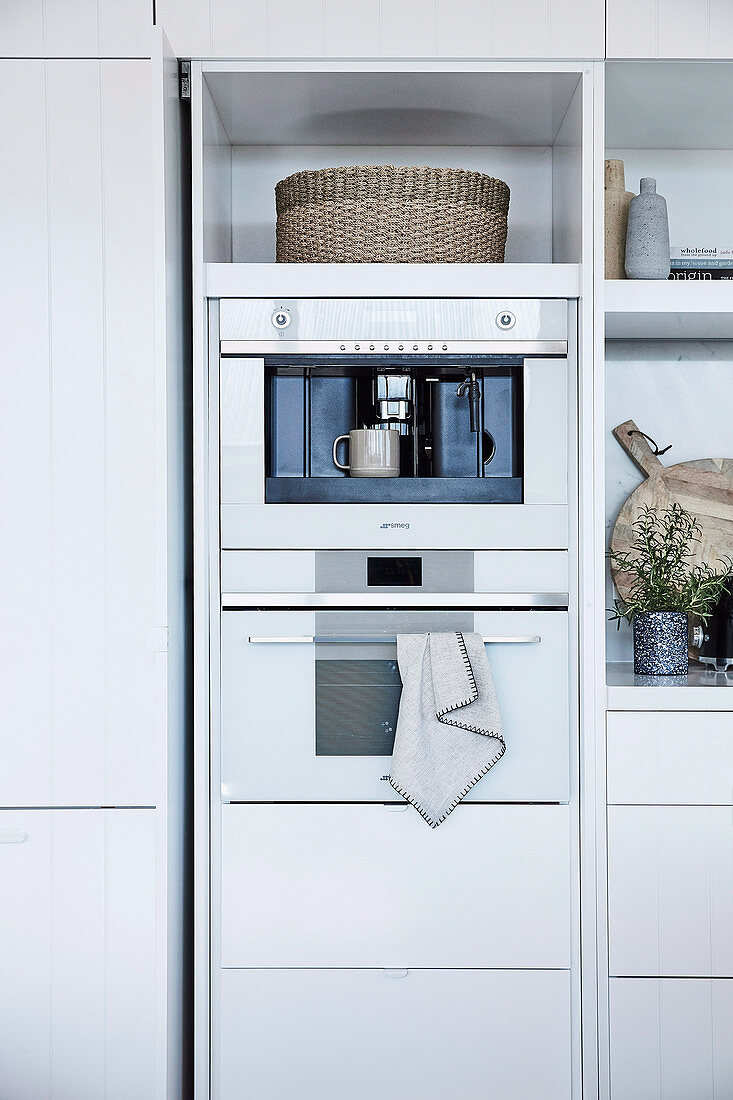 Cabinet module with kitchen appliances and storage compartment in the kitchen
