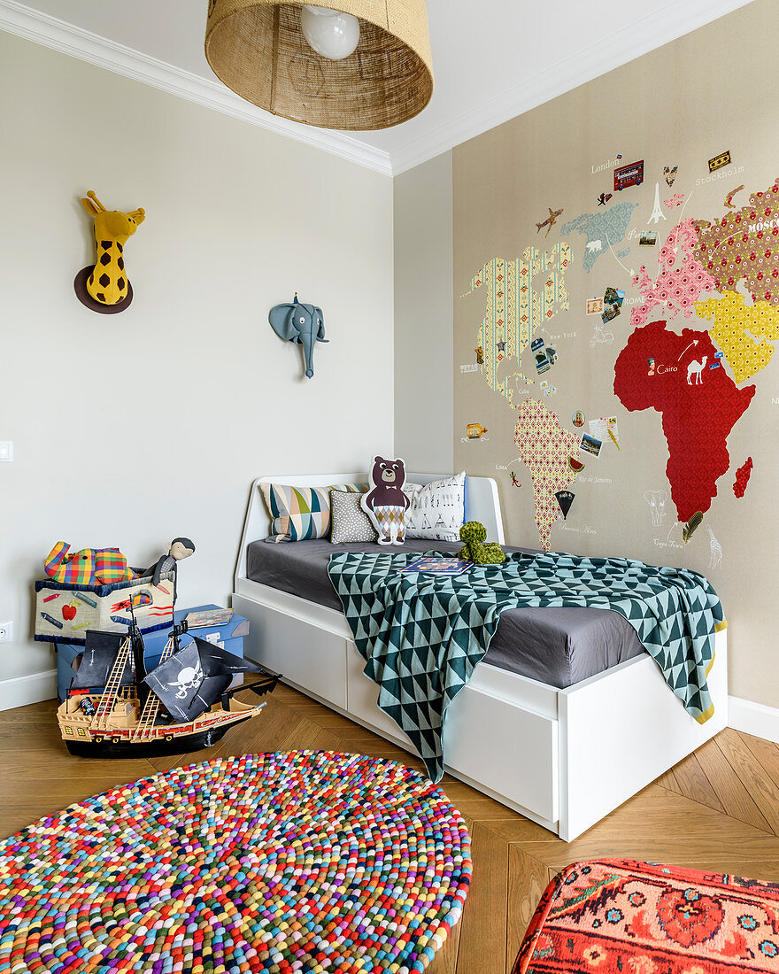 Map Of World Decorating Wall Above Bed Buy Image 12622950 Living4media
