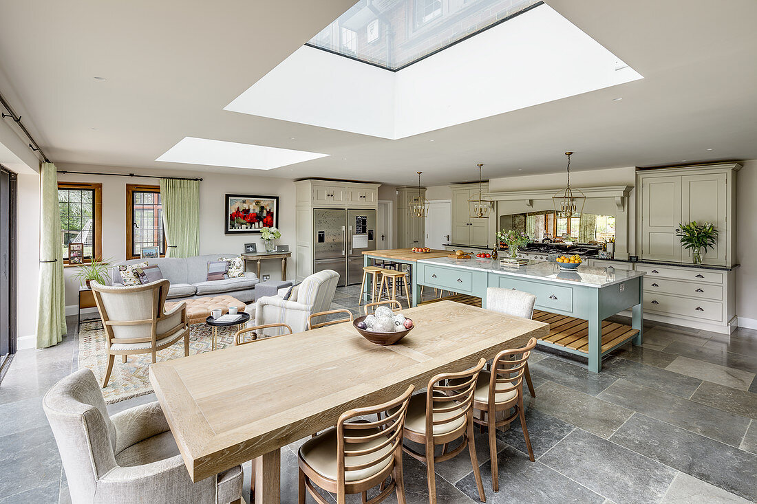 Country House Kitchen And Dining Table Buy Image 13169232 Living4media